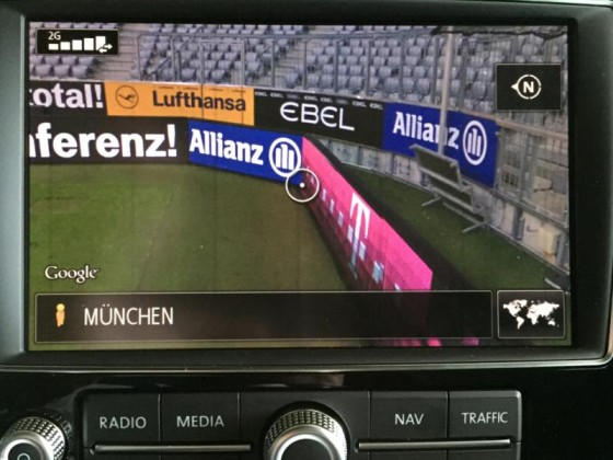 "RNS 850 mit ""Connect"" Paket: Ansicht via Google Street View, die Allianz Arena von innen."