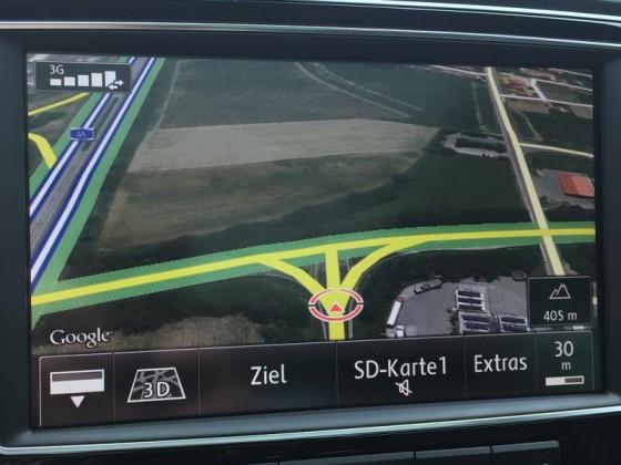 Google Earth mit Online-Verkehrsinformationen, Maßstab 30 m