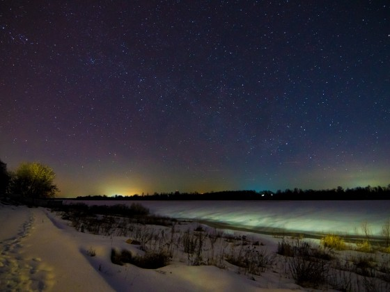 Nachtstimmung am Fluss Oka im Winter