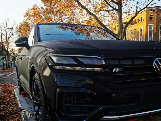 Touareg CR Fahrzeuglieferung R-Line Black