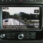 """RNS 850 mit """"Connect"""" Paket: Ansicht via Google Street View, die Thalkirchner Brücke in München."""