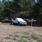 Der AreaView-Parcour: Mit abgeklebten Scheiben - nur via Monitorsicht - galt es, in möglichst kurzer Zeit die Rundstrecke inklusive Parkübung und Rückwärtsfahrt zu meistern. Ungewohnt... ;-)